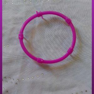 دستبند سیم خاردار پلاستیکی