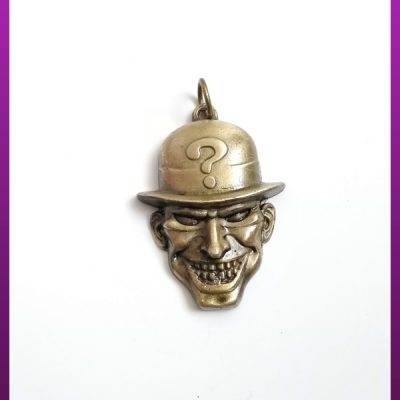 پلاک ماسک با کلاه طلایی