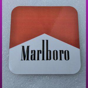 زیر لیوانی چوبی طرح سیگار مارلبرو