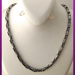 زنجیر قفلی لوله ای سیاه قلم نقره ای استیل