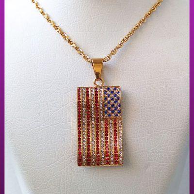 گردنبند پرچم آمریکا پر نگین طلایی استیل